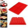 Красная форма для выпечки вафель силиконовая
