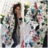 Модная теплая женская куртка-пуховик с ярким принтом