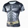 Тонкая эластичная мужская футболка садится по фигуре Batman