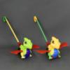 Каталка 0360 (72) «Дракончик» на палочке машет крыльями, 2 цвета, в кульке
