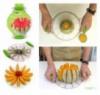 Красиво разрежет арбуз или дыню нож Melon Slicer