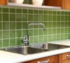 Облицовка стен керамической плиткой (размер 100х100 мм)