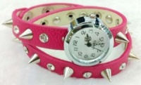 Женские часы с шипами