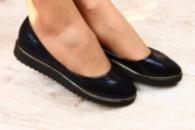 Женские кожаные балетки темно синие