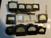 Амперметр Э377, М4200, Э8021, Э421, миллиамперметры М49, М42101, М4202, М5-2 и др.
