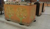 Поклейка оракала на зоне фуд-корта в гипермаркете ТАМ ТАМ