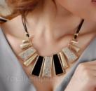 Ожерелье «Керри» черный с кристаллами.