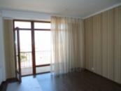 Видовая 2-комнатная квартира с евроремонтом, встроенной кухней, техникой. 67 кв.м.