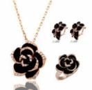 Набор с черными цветами