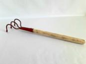 Рыхлитель садовый ручной с деревянной ручкой. Закалённая сталь.