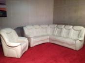 Большой кожаный мягкий угловой диван с креслом производства Германии