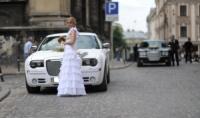Белый Chrysler 300 C в Харькове