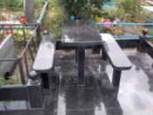 Стол и скамейка гранитная