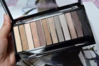 Палитра теней Makeup Revolution на 12 цветов Мальва