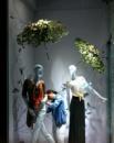Оформление витрин магазинов цветами