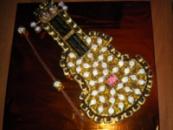Композиция из конфет « Скрипка»