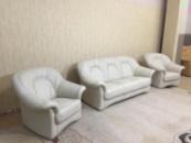 Кожаный диван с креслами производства Германии