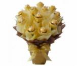 Роскошный золотистый букет из вкуснейших конфет