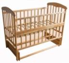Кроватка «Наталка» деревянная откидной бок, маятник. Ясень светлый