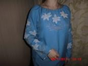 Вишита сорочка синя з білими ліліями