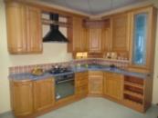 Кухни с фасадом из натурального дерева «Kolss»