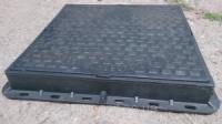 Люк с доставкой в Запорожье черный полимерный квадратный 680х680 мм, нагрузка 1 т.