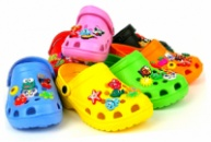 Пляжная обувь детская (шлепки, вьетнамки, сандалии, кроксы)