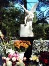 Скульптура Ангела с розой и холстом из мрамора №7