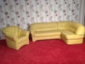 Кожаный угловой диван 2,40м-1,60м с креслом из Германии