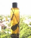 Шампунь ручной работы на целебных травах с натуральными маслами и продуктами пчеловодства.