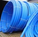 Черная и синяя труба для воды PE