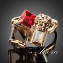 Женское кольцо квадратные камни