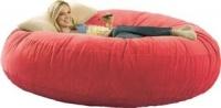 Красный бескаркасный диван из велюра