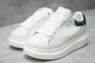 Кроссовки женские в стиле Alexander McQueen Oversized Sneakers, белые (14753),  [  36 37 38 39 40  ]