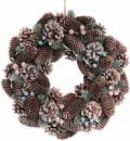 Декоративный венок «Шишки и ягоды» Ø40см с натуральными шишками