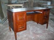 Компьютерный стол из дерева. Письменный стол из дерева Кривой Рог