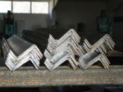 Профили гнутые зетовые равнополочные сталь1-3, 09Г2,09Г2Д 40х32х2, 40х55х4, 75х51х6, 76х60х3,5, 135х75х6, 200х87х6.