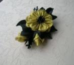 Заколка для волосся «Квітка ночі» в техніці канзаші з атласних стрічок. Автор handmade Христина Борисовська