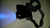 Яркий, долгоиграющий ультрафиолетовый налобный фонарь с белым светом