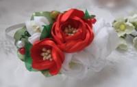 обруч с красными и белыми розами