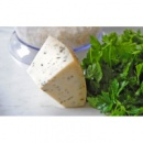 Козий сыр с базиликом
