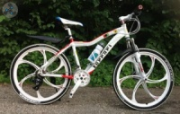 Элитный Велосипед FERRARI F8 White на литых дисках