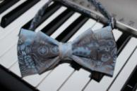 Галстук-бабочка праздничная голубая, двойная