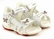 Босоножки и сандали для девочки