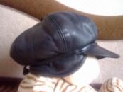 Зимняя кожаная кепка женская.