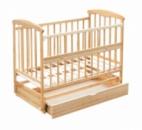 Кроватка «Наталка» деревянная, откидной бок, маятник, ящик. Ольха светлая