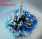 Праздничн ый Новогодний букет из конфет и игрушек