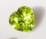 Перидот Хризолит природный, сердце 7 х 7 мм