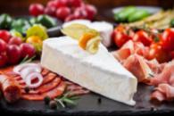 Сыр, колбаса