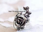 Кольцо «Люмина» роза под черненое серебро.
